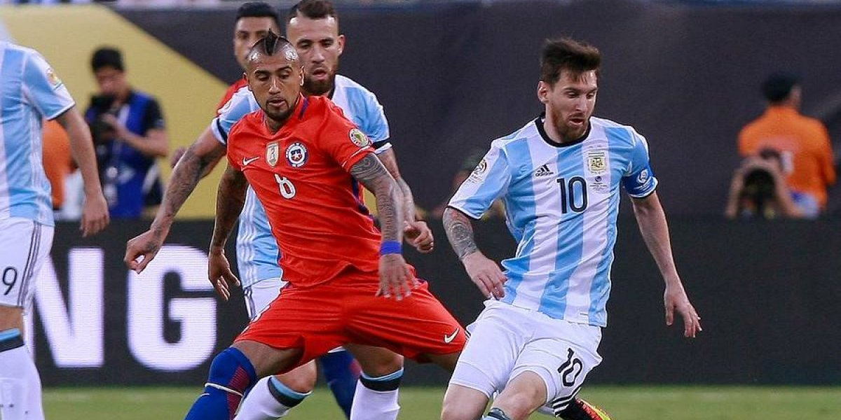 """Vidal celebró clasificación trasandina en el Mundial: """"Apoyando a Sudamérica, muy bien Argentina"""""""