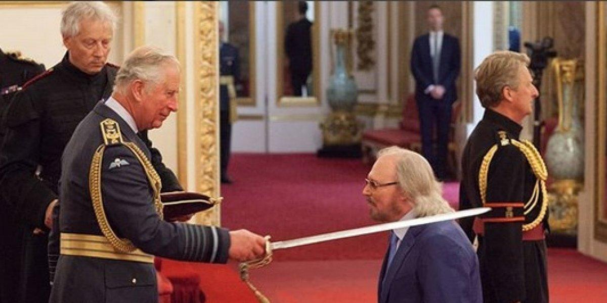 Barry Gibb recibe título de Caballero