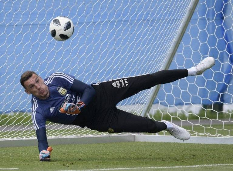 Franco Armani entrena durante el Mundial Rusia 2018