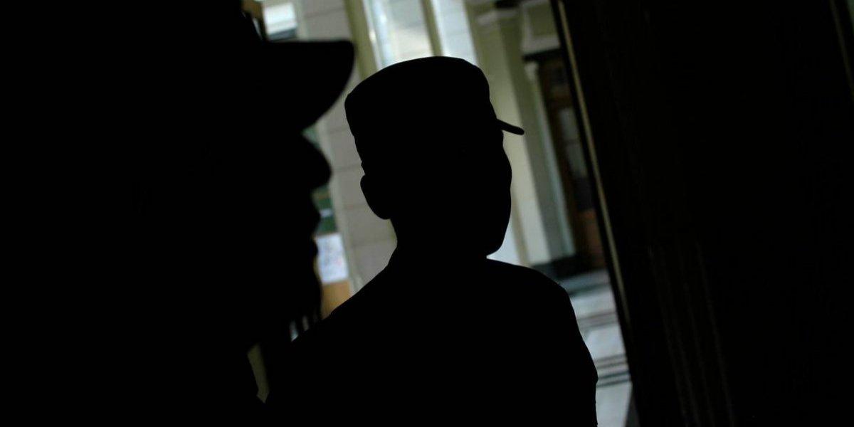 ¿Qué le pasa a un gendarme que va a la cárcel? El difícil momento que vive acusado de no intervenir a tiempo en torturas a ecuatorianos