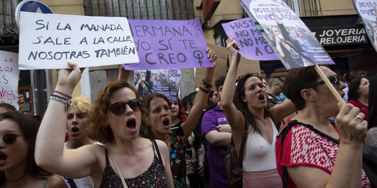 """Se hacen llamar """"La nueva Manada"""": cuatro detenidos por drogar y violar a una menor"""