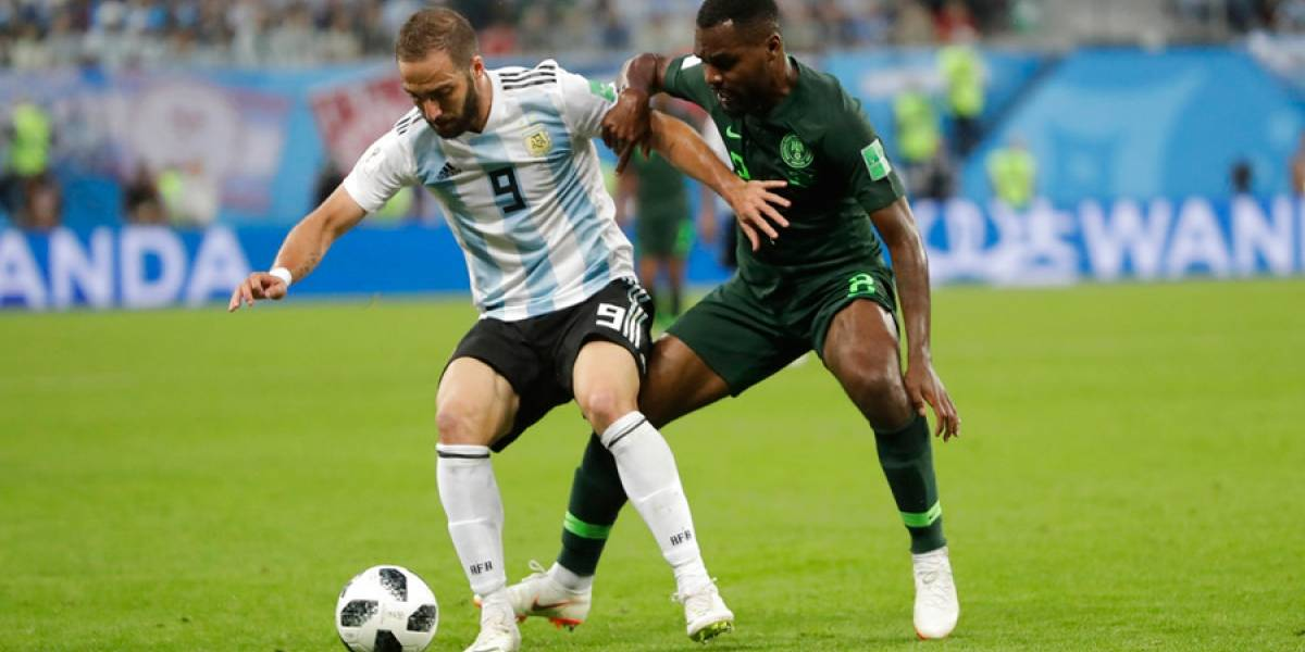 Otra pifia monumental de Higuaín con Argentina