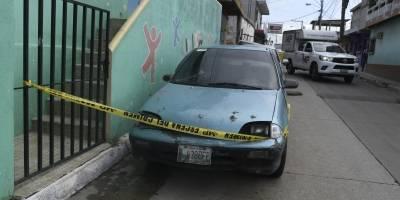 Hombre fallecido dentro de su vehículo