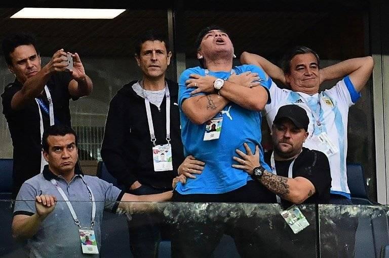 La particular celebración de Maradona