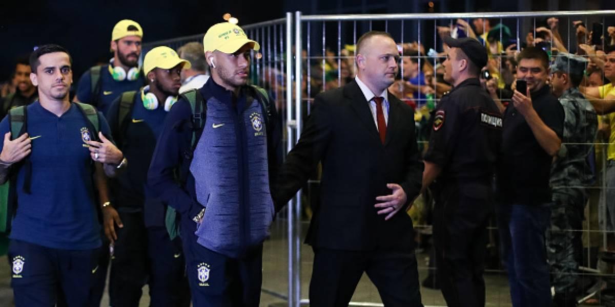 Bar Sir Walter Pub, en Río de Janeiro, regala un trago por cada caída de Neymar