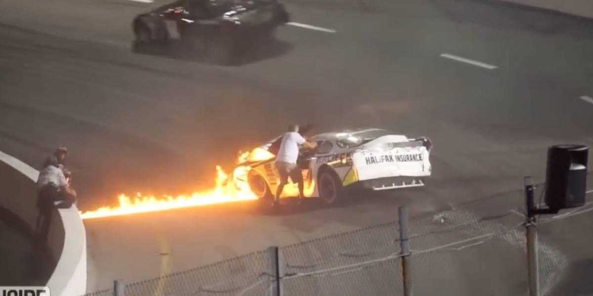 Piloto de Nascar es rescatado por su padre de un auto en llamas; ahora quieren sancionarlo