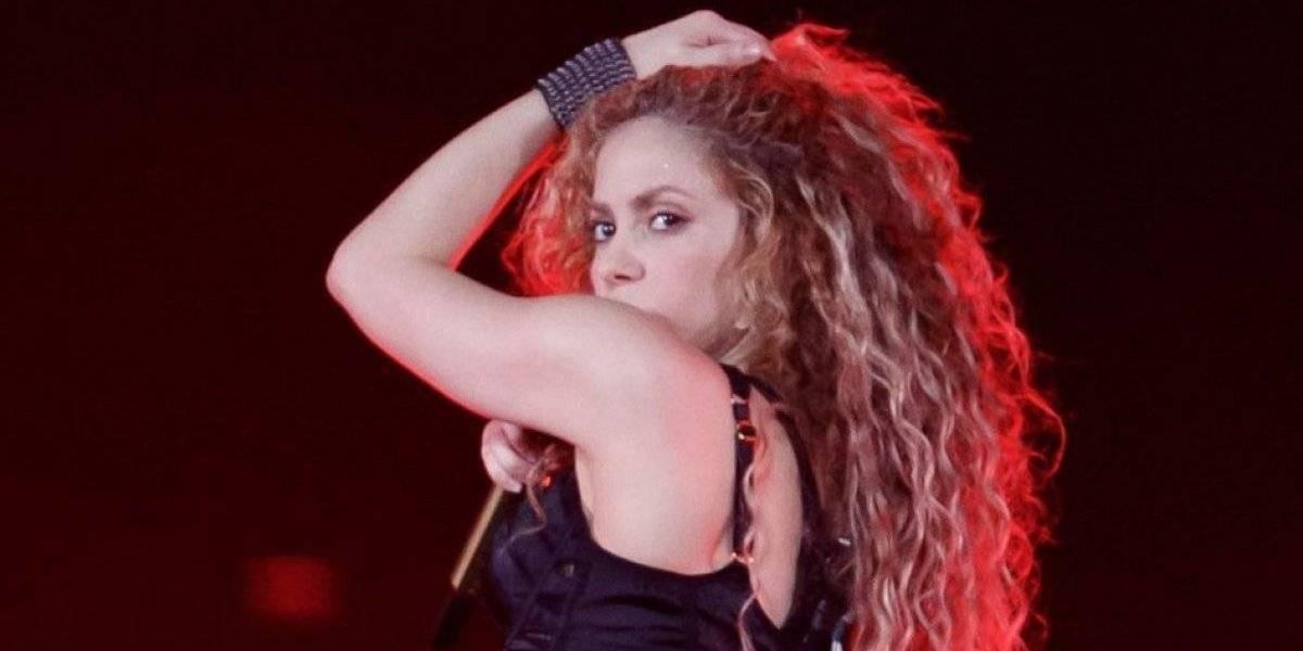 Shakira suspende venda de colares com símbolo usado por nazistas