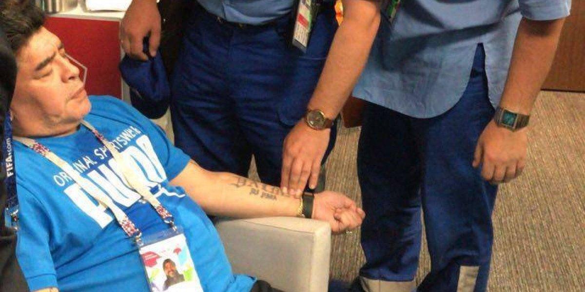 El triste espectáculo de Diego Maradona en Rusia terminó con asistencia médica de urgencia