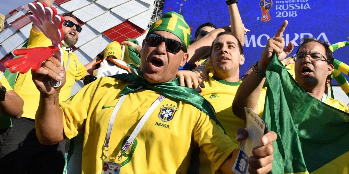 Aficionados brasileños se mofan de la eliminación de Alemania