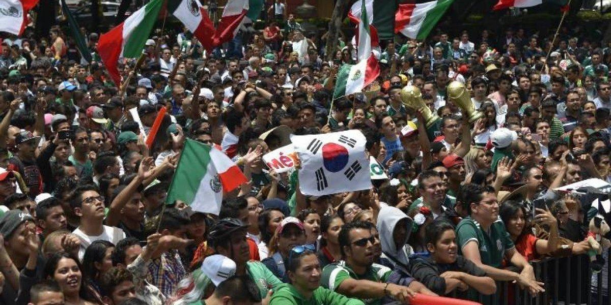 """VIDEO. Aficionados mexicanos festejaron triunfo de """"el Tri"""" en Embajada de Corea del Sur"""