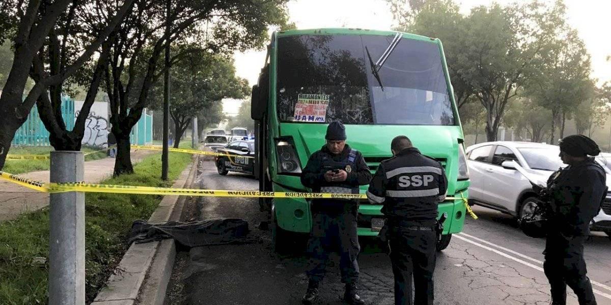 Pasajero enfrenta a asaltante de camión en Iztapalapa y lo mata