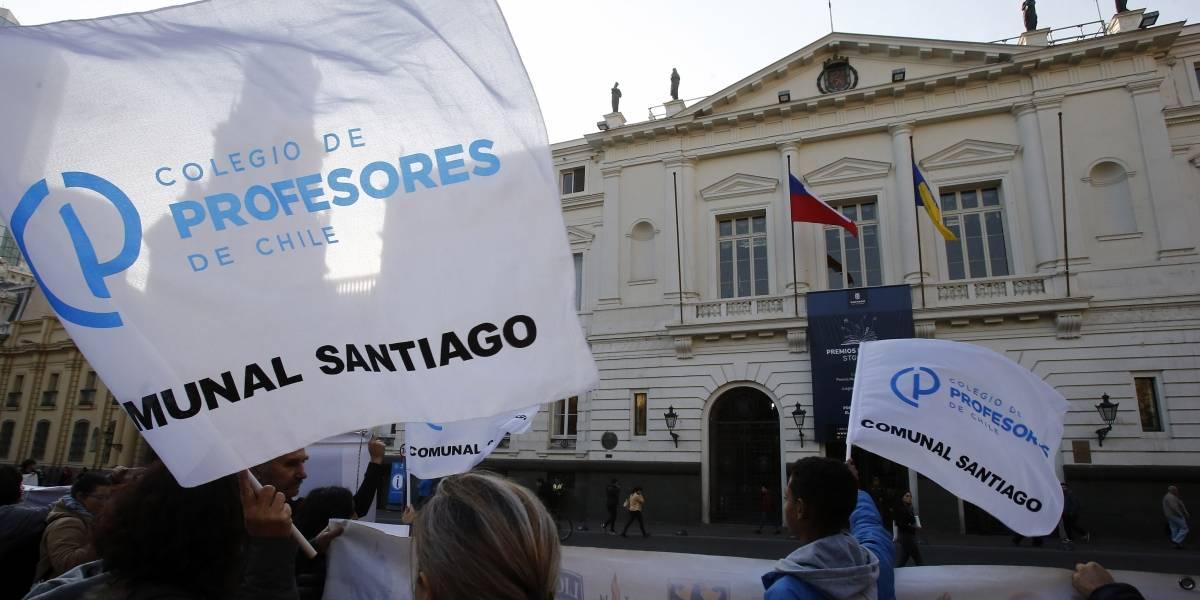 Hay divergencias en las cuentas de reparaciones: apoderados del Liceo Amunátegui ponen en duda al alcalde Alessandri