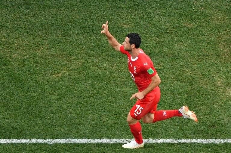 Blerim Dzemaili marcó el primer tanto para Suiza
