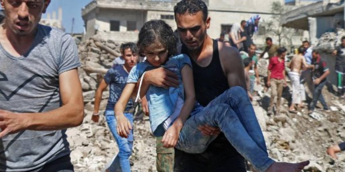 El régimen sirio y su aliado ruso bombardean territorios rebeldes