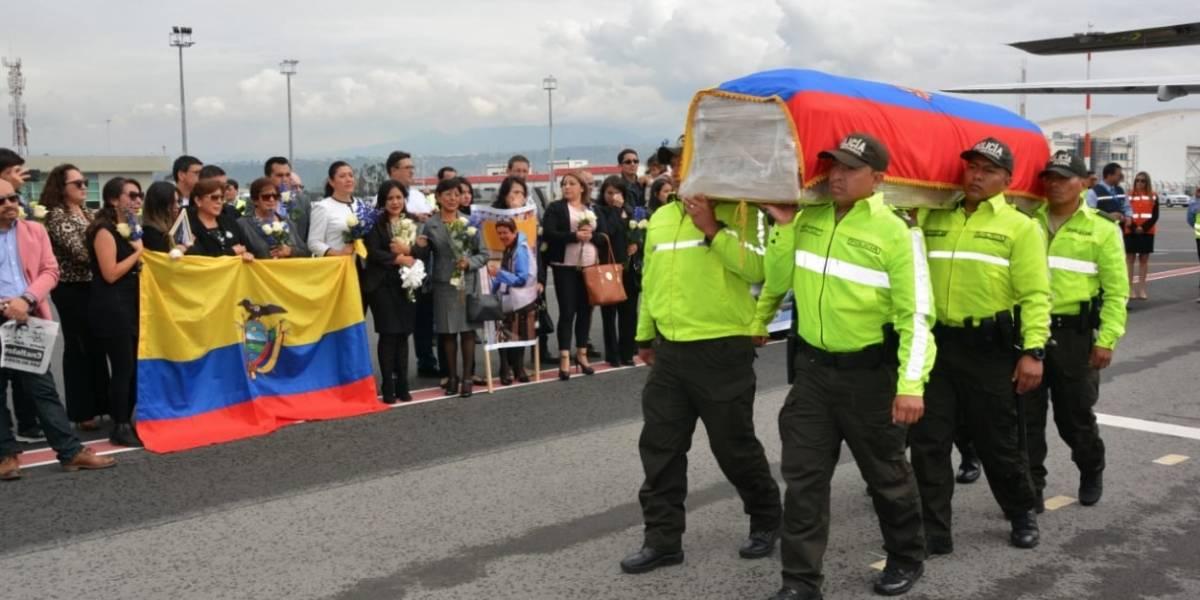 ¡Atención! Cuerpos de periodistas asesinados llegan a Ecuador