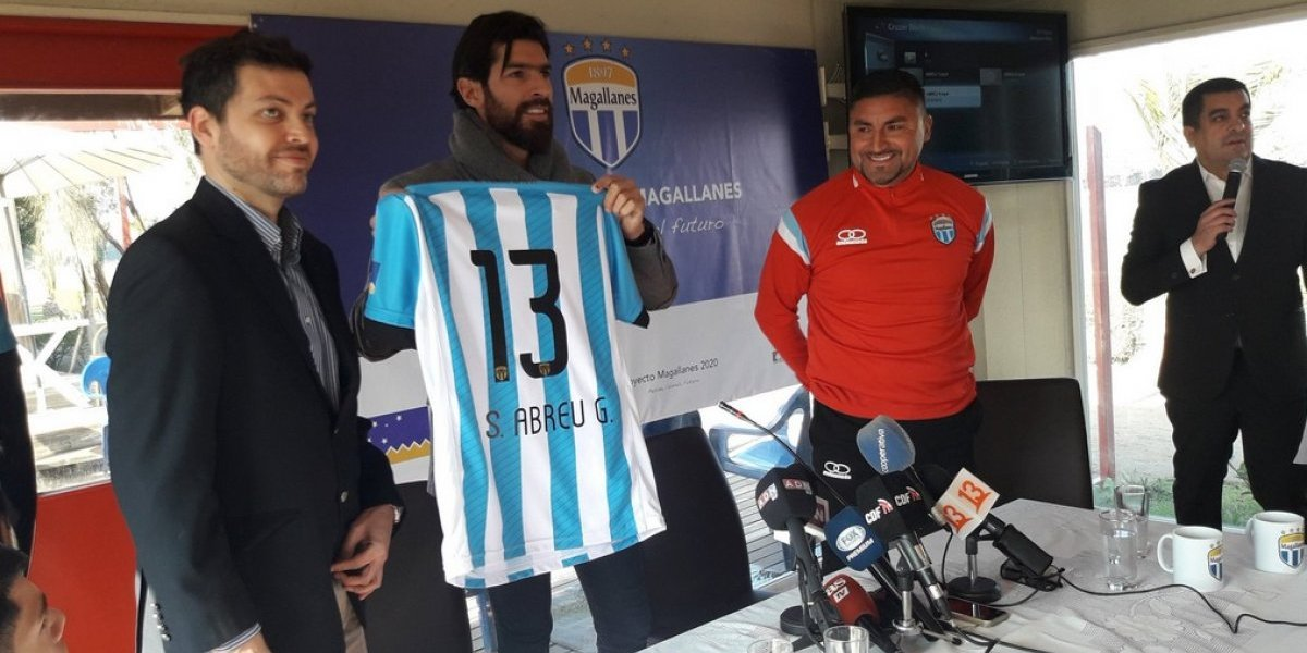 """Sebastián Abreu y su nueva """"locura"""" en Magallanes: """"Vengo a aportar con experiencia, para reforzar la juventud del club"""""""