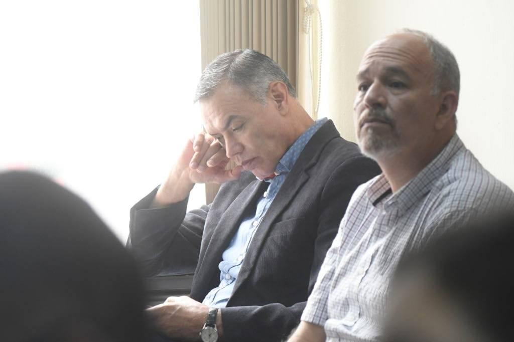 Juan de Dios Rodríguez y Álvaro Dubón, expresidente y exgerente del IGSS, respectivamente. Foto: Omar Solís