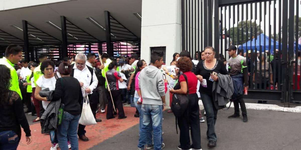 Hasta en 200 pesos revenden boletos de AMLO en el Azteca