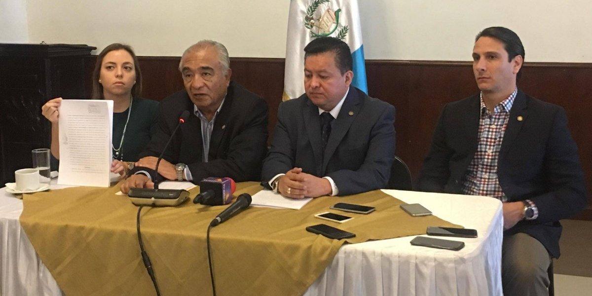 Diputados presentan denuncia contra secretario de Conred por tragedia del volcán