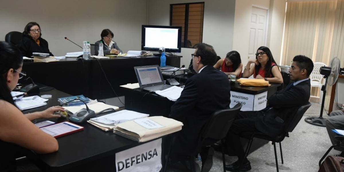 """Acusado en caso """"IGSS-Pisa"""" se defiende durante tres días"""