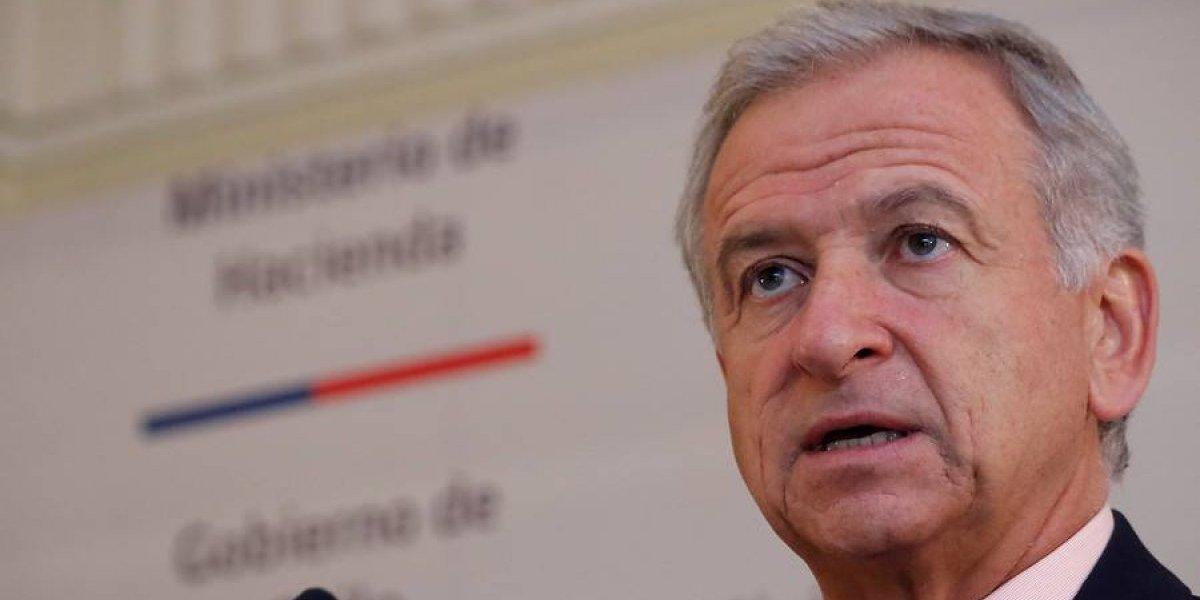 """Ministro de Hacienda dice que baja de impuestos a empresas no es """"un tema que esté cerrado"""""""