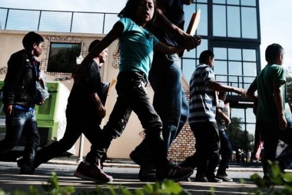 Niños separados en la frontera