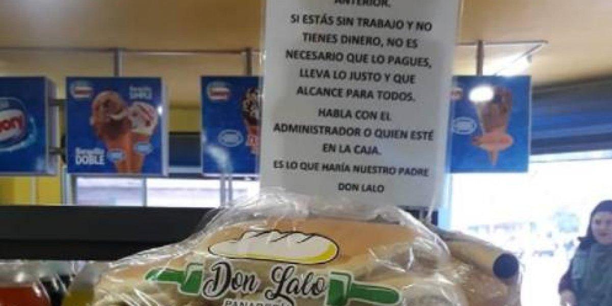 """""""Lleva lo justo y que alcance para todos"""": la notable iniciativa de la panadería Don Lalo en Talca que regala pan a los que no tienen dinero para comprarlo"""