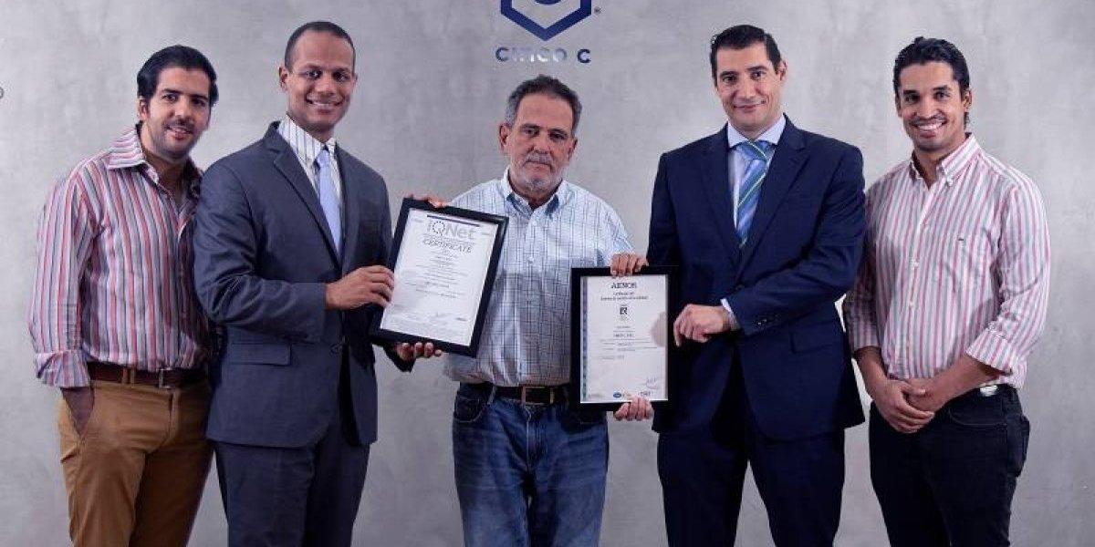 """#TeVimosEn: Empresa textil """"Cinco C"""" recibe certificación en gestión calidad"""