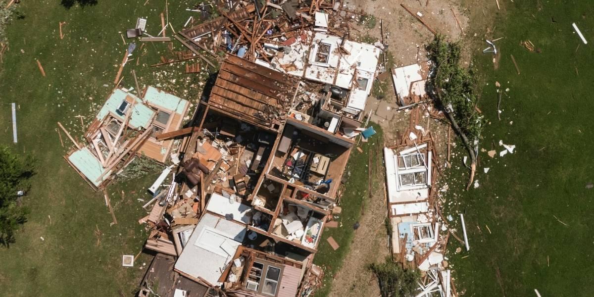 Tornado impacta ciudad de Kansas y daña 175 estructuras