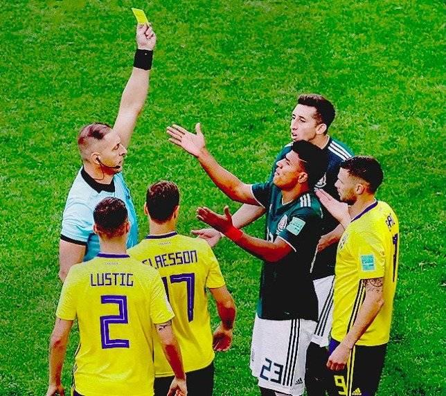 Jesús Gallardo, la tarjeta amarilla más rápida en mundiales