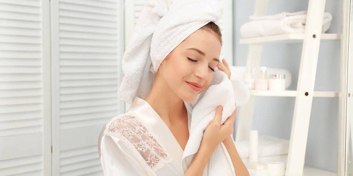La rutina que querrás seguir para hidratar la piel de tu rostro y mantenerla sana