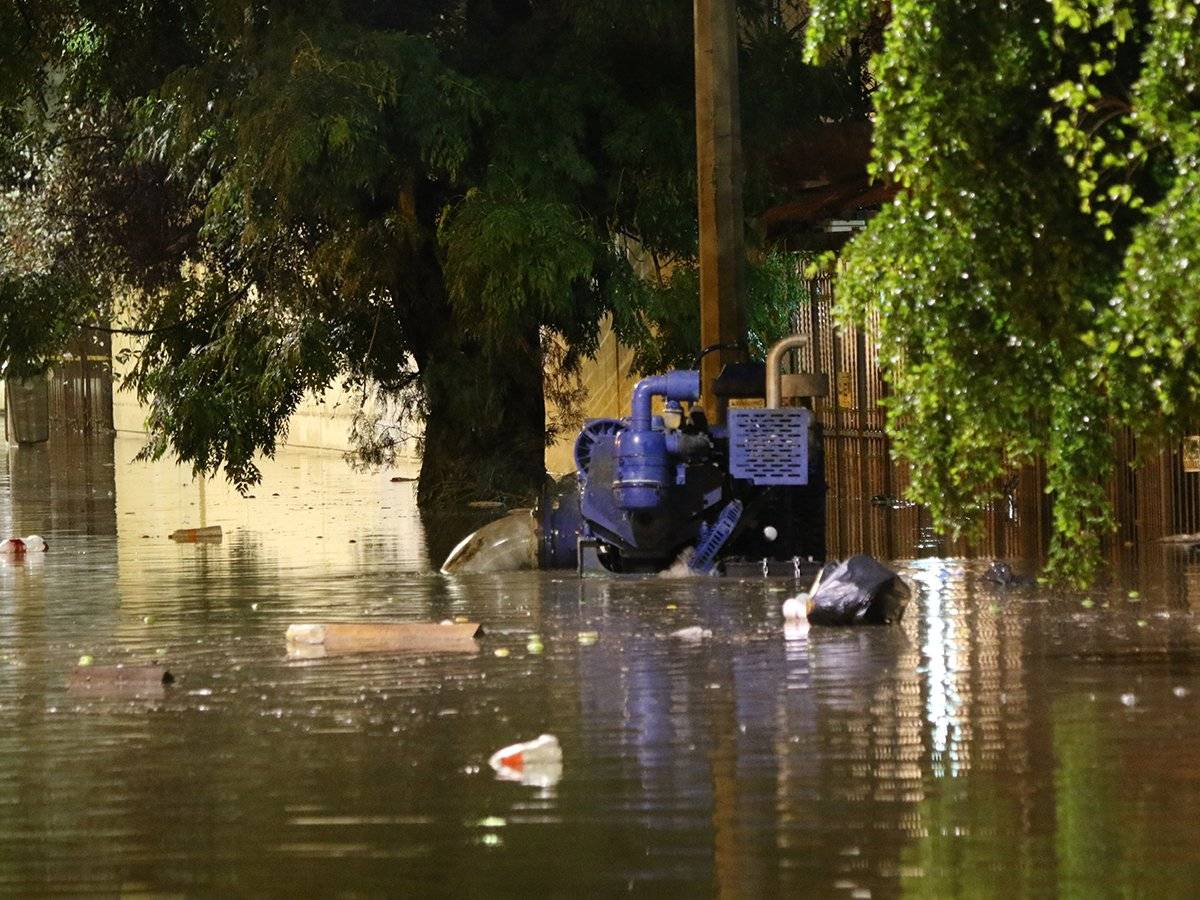 Se inunda por cuarta vez en un mes calles de Alcalde Barranquitas