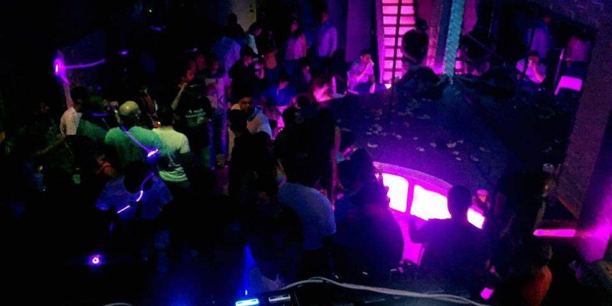Reportan heridos de bala en dos discotecas de San Juan