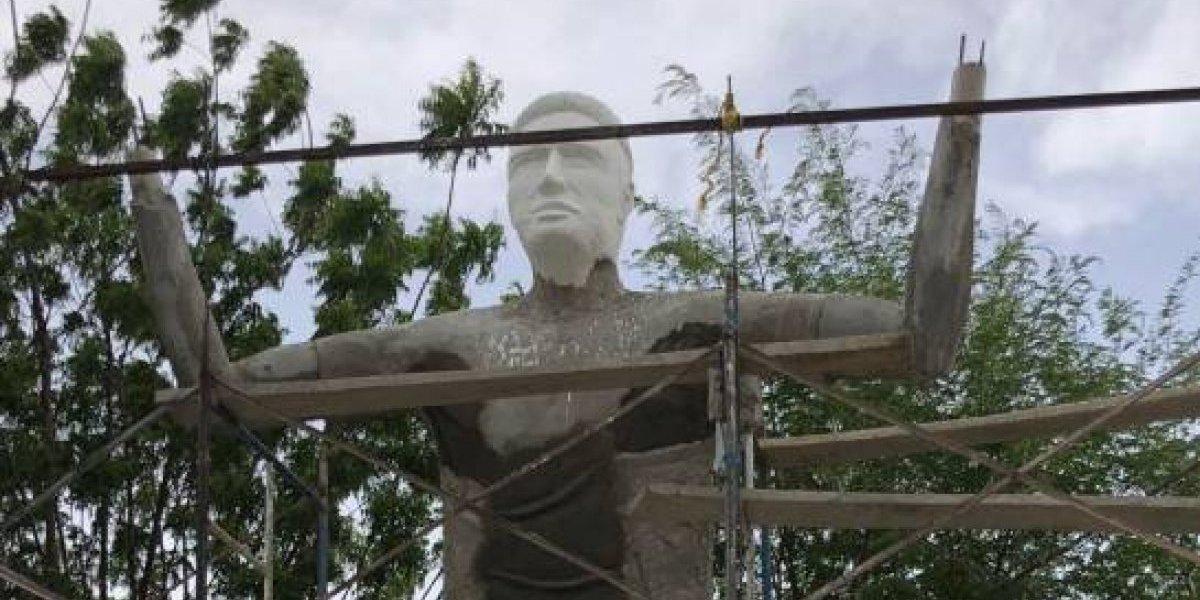 Construyen monumento en homenaje a Falcao