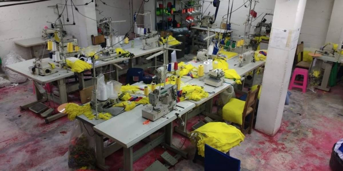 Cae la principal fábrica de camisetas falsas de la Selección Colombia