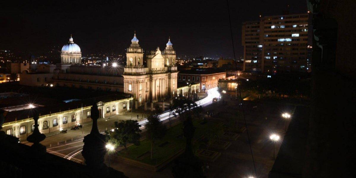 """EN IMÁGENES. Realizan """"iluminación monumental"""" de la Catedral Metropolitana"""