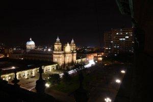 Iluminación de la Catedral Metropolitana