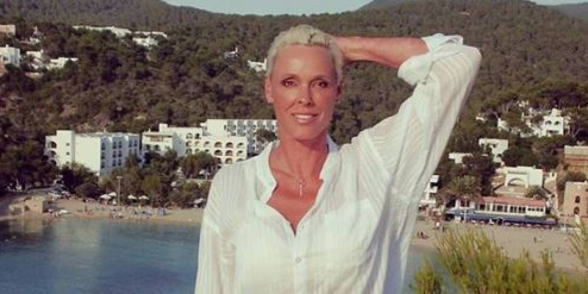 Mãe aos 54 anos, Brigitte Nielsen revela primeira foto da filha