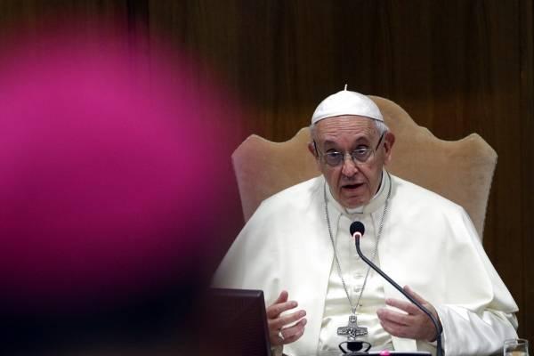 Papa Francisco acepta renuncia obispos