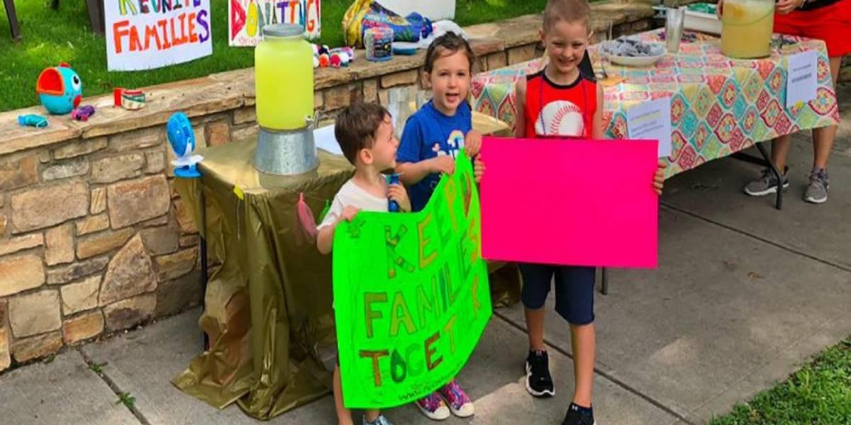 ¡Conmovedor! Niños venden limonada y recaudan 13 mil dólares para las familias separadas en la frontera
