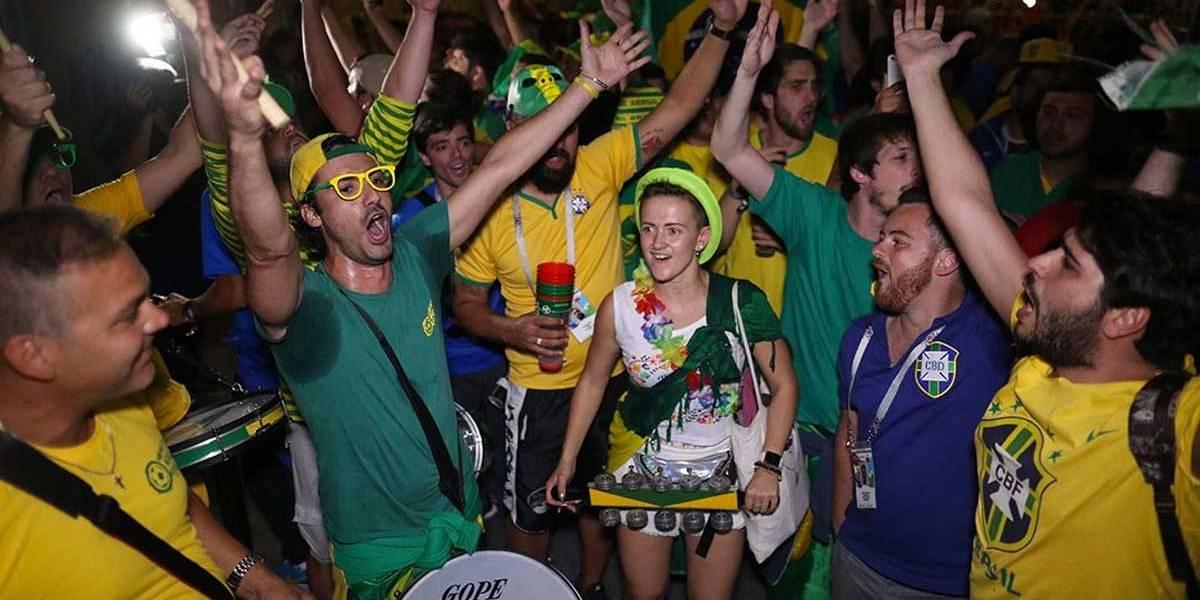 Torcida brasileira cria música inspirada em sucesso do Araketu