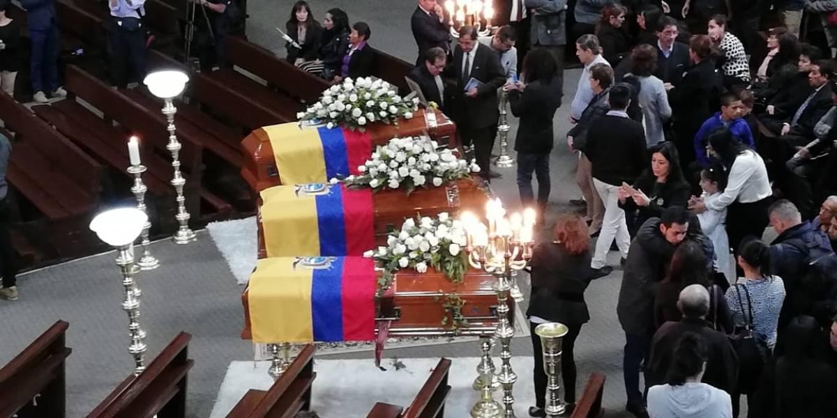 Ecuador le da el último adiós para Javier, Efraín y Paúl, periodistas asesinados en Colombia