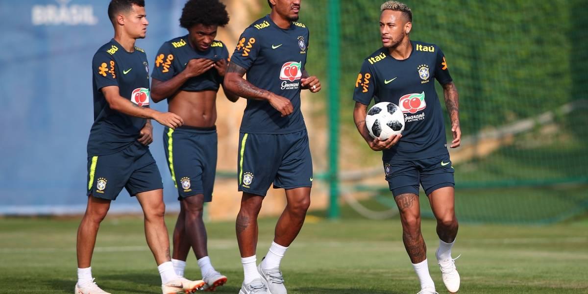 Marcelo está fora do treino de hoje da Seleção Brasileira