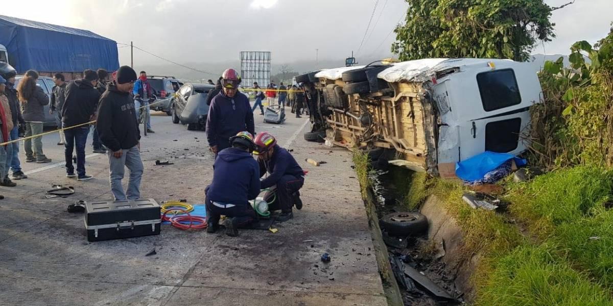 Dos fallecidos y cuatro heridos tras accidente de tránsito en ruta Interamericana
