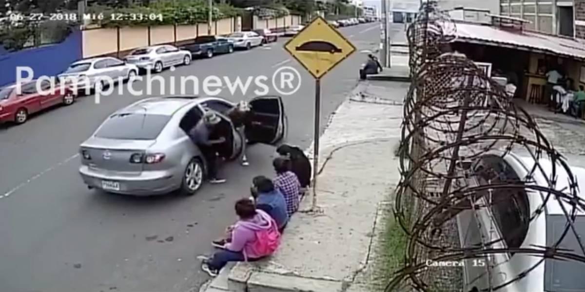 VIDEO. Asalto fugaz a un grupo de mujeres en zona 12 causa indignación