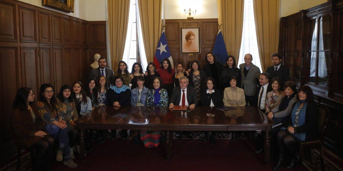 Tomas feministas de la Universidad de Chile comienzan a llegar acuerdos con rectoría