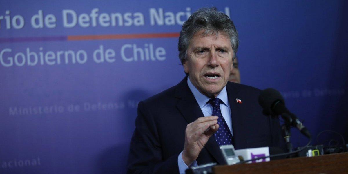 Ministro de Defensa anunció la baja de 18 militares por la agresión de soldado en Calama