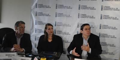 Cámara Guatemalteca de Alimentos y Bebidas presenta rutas de contrabando en Guatemala.
