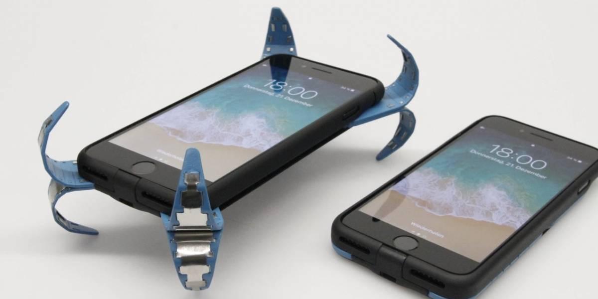 Esta increíble carcasa despliega unas alas cuando se cae tu teléfono