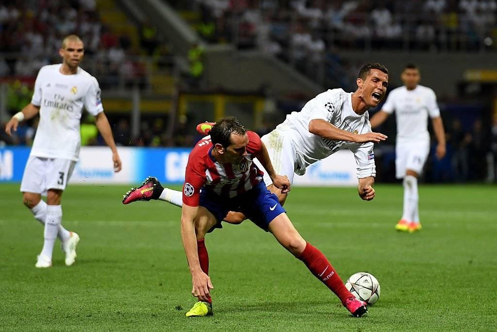 Diego Godín sabe bien lo que es marcar a Cristiano Ronaldo / Foto: Getty Images